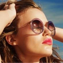 Можно ли совмещать ношение МКЛ и солнцезащитных очков?